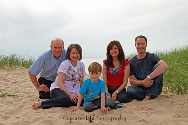 m_family_grandparents_beach