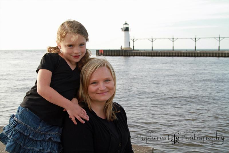 mom_girl_lighthouse_lake-mi