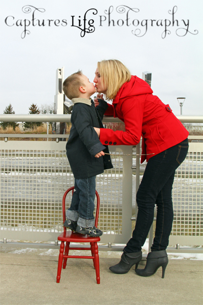 mother_sons_kisses
