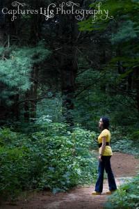 senior-portraits_light_forest_girl